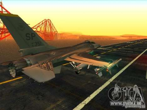 F-16C Fighting Falcon pour GTA San Andreas vue de droite