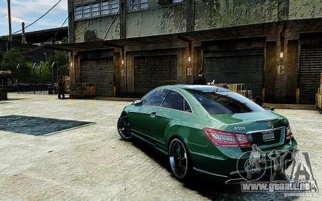 Mercedes Benz E500 Coupe pour GTA 4 est une gauche