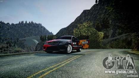 Mercedes Benz C63 AMG SAIBON Paint Job pour GTA 4 est une vue de l'intérieur