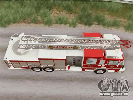 Pierce Arrow LAFD Ladder 43 pour GTA San Andreas vue de côté