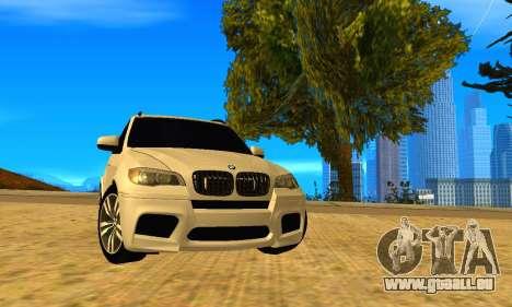 BMW X5M 2013 v2.0 pour GTA San Andreas sur la vue arrière gauche