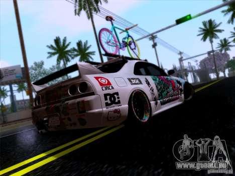 Nissan GT-R R33 HellaFlush pour GTA San Andreas sur la vue arrière gauche