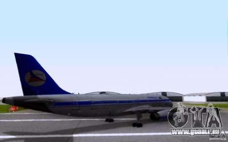 Airbus A-319 Azerbaijan Airlines pour GTA San Andreas sur la vue arrière gauche