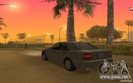 Mercedes Benz C220 pour GTA San Andreas vue de droite