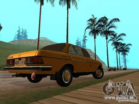 Mercedes-Benz 240D Taxi pour GTA San Andreas sur la vue arrière gauche
