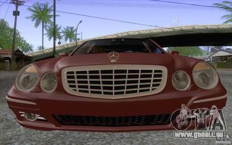 Mercedes-Benz E320 pour GTA San Andreas vue de droite
