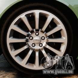 Aston Martin Vanquish 2001 pour GTA 4 est un côté
