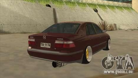 Mazda 626 Hellaflush pour GTA San Andreas sur la vue arrière gauche