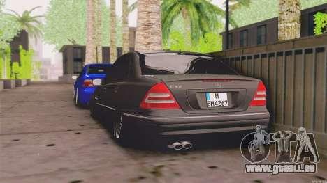 Mercedes-Benz C32 AMG für GTA San Andreas zurück linke Ansicht