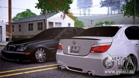 Mercedes-Benz C32 AMG pour GTA San Andreas vue de côté