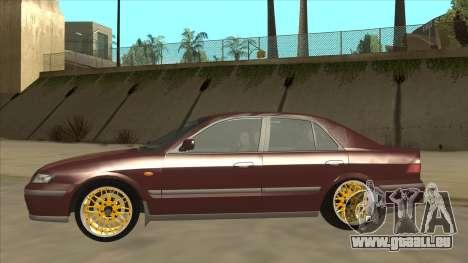 Mazda 626 Hellaflush pour GTA San Andreas vue arrière