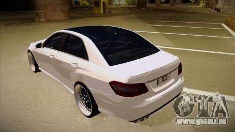 Mercedes-Benz E63 6.3 AMG Tedy pour GTA San Andreas vue arrière