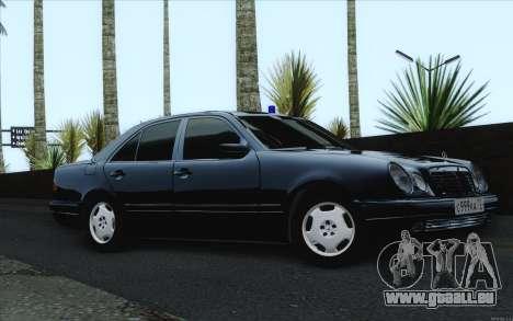 Mercedes-Benz E420 pour GTA San Andreas vue de droite