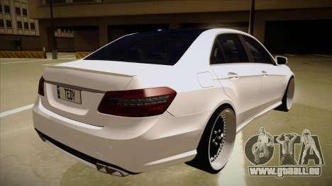 Mercedes-Benz E63 6.3 AMG Tedy pour GTA San Andreas vue de droite