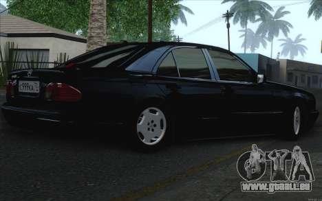 Mercedes-Benz E420 pour GTA San Andreas vue intérieure