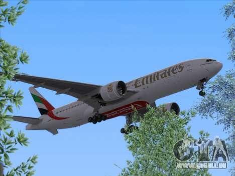 Boeing 777-21HLR Emirates pour GTA San Andreas sur la vue arrière gauche