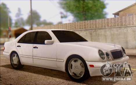 Mercedes-Benz E420 v2.0 pour GTA San Andreas