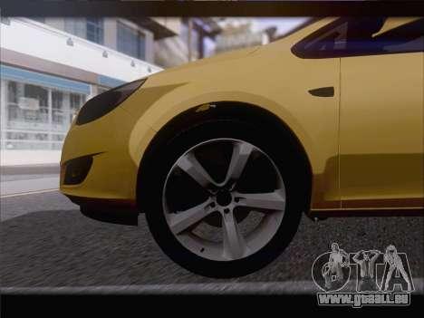 Opel Astra J 2011 pour GTA San Andreas vue de côté