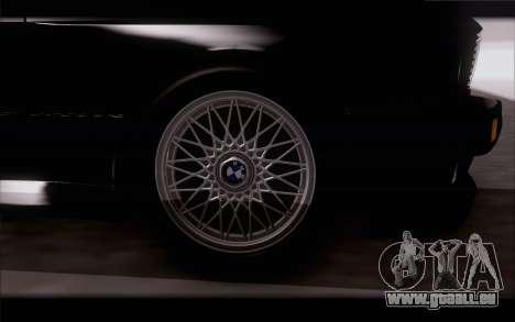 BMW M3 E30 Stock Version pour GTA San Andreas vue de droite