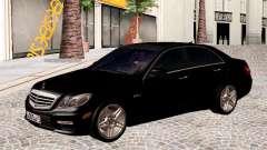 Mercedes-Benz E63 AMG седан pour GTA San Andreas