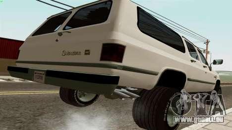 Chevrolet Suburban 2500 1986 pour GTA San Andreas sur la vue arrière gauche