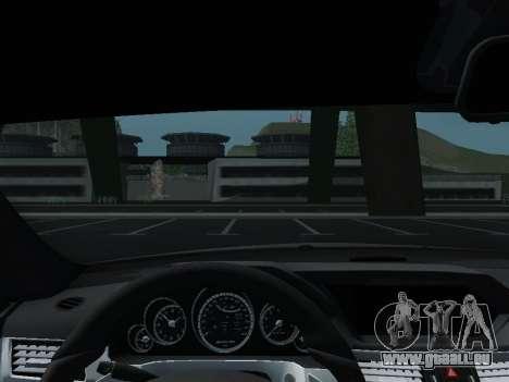 Mercedes-Benz E63 AMG pour GTA San Andreas vue de dessous