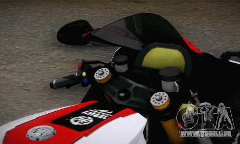 Yamaha R1 2011 pour GTA San Andreas sur la vue arrière gauche