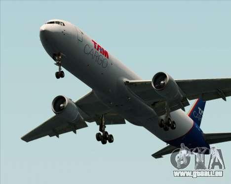 Boeing 767-300ER F TAM Cargo pour GTA San Andreas sur la vue arrière gauche
