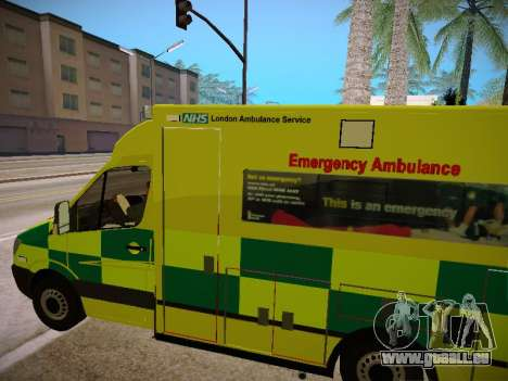 Mercedes-Benz Sprinter London Ambulance pour GTA San Andreas vue de côté