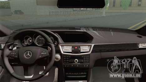 Mercedes-Benz E63 AMG 2014 ДПС pour GTA San Andreas sur la vue arrière gauche