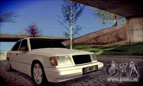 Mercedes-Benz E320 Delta Garage pour GTA San Andreas vue de droite