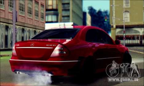 Mercedes-Benz E55 AMG pour GTA San Andreas laissé vue