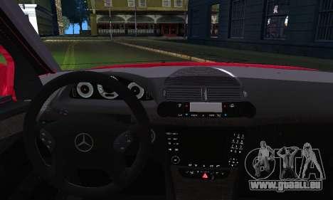 Mercedes-Benz E55 AMG pour GTA San Andreas sur la vue arrière gauche