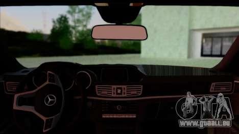Mercedes-Benz E63 AMG pour GTA San Andreas sur la vue arrière gauche