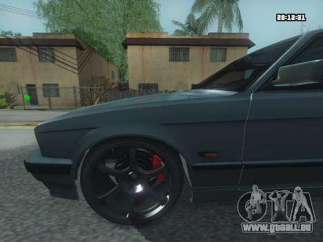 BMW 525 E34 Tune pour GTA San Andreas sur la vue arrière gauche