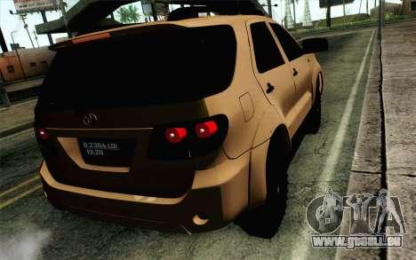 Toyota Fortuner 2014 4x4 Off Road für GTA San Andreas linke Ansicht