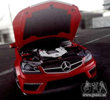 Mercedes-Benz C63 AMG 2013 für GTA San Andreas Unteransicht