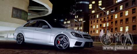 Mercedes-Benz C63 AMG 2013 für GTA San Andreas zurück linke Ansicht