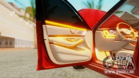 Mercedes-Benz S63 W222 AMG pour GTA San Andreas vue de côté