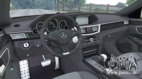 GTA 5 Mercedes-Benz E63 (W212) AMG v1.1 droite vue latérale