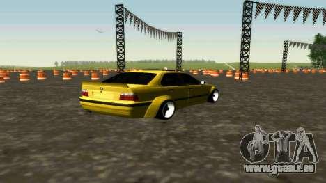 BMW 320i E36 Wide Body Kit pour GTA San Andreas sur la vue arrière gauche