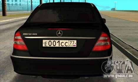 Mercedes-Benz E55 W211 AMG für GTA San Andreas rechten Ansicht