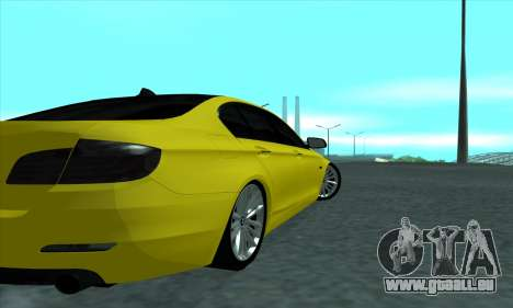 BMW 525 Gold pour GTA San Andreas vue de droite