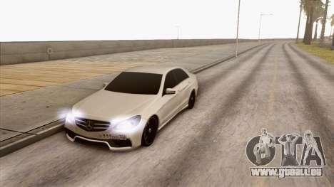 Mercedes-Benz E63 v.2 pour GTA San Andreas sur la vue arrière gauche
