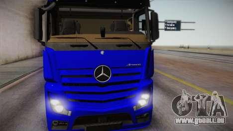 Mercedes-Benz Actros Mp4 6x4 v2.0 Gigaspace pour GTA San Andreas sur la vue arrière gauche