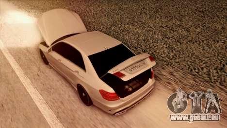 Mercedes-Benz Е63 für GTA San Andreas Unteransicht