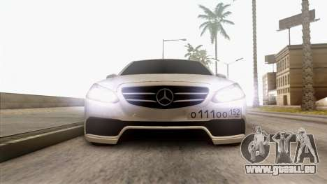 Mercedes-Benz E63 v.2 pour GTA San Andreas vue de côté