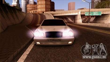 Mercedes-Benz E420 pour GTA San Andreas vue arrière