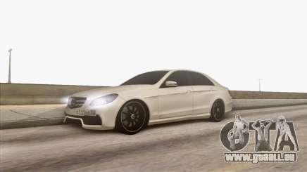 Mercedes-Benz E63 v.2 pour GTA San Andreas